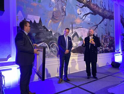 From the left: Chairman Norwegian Seafood Association Håvard Høgstad, award winner Sigvald Rist and CEO Norwegian Seafood Association Robert Eriksson..