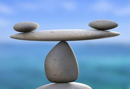 Steiner som balanserer